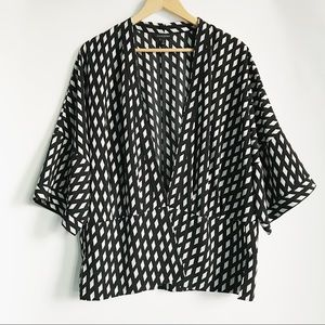 Banana Republic Black & White Kimono Jacket